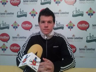 Juan De Lara ante los medios...